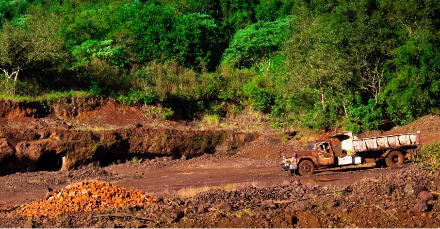 Mines de Wanda, Puerto Wanda, Argentina - Photo : Jonatan Lewczuk pour Unsplash