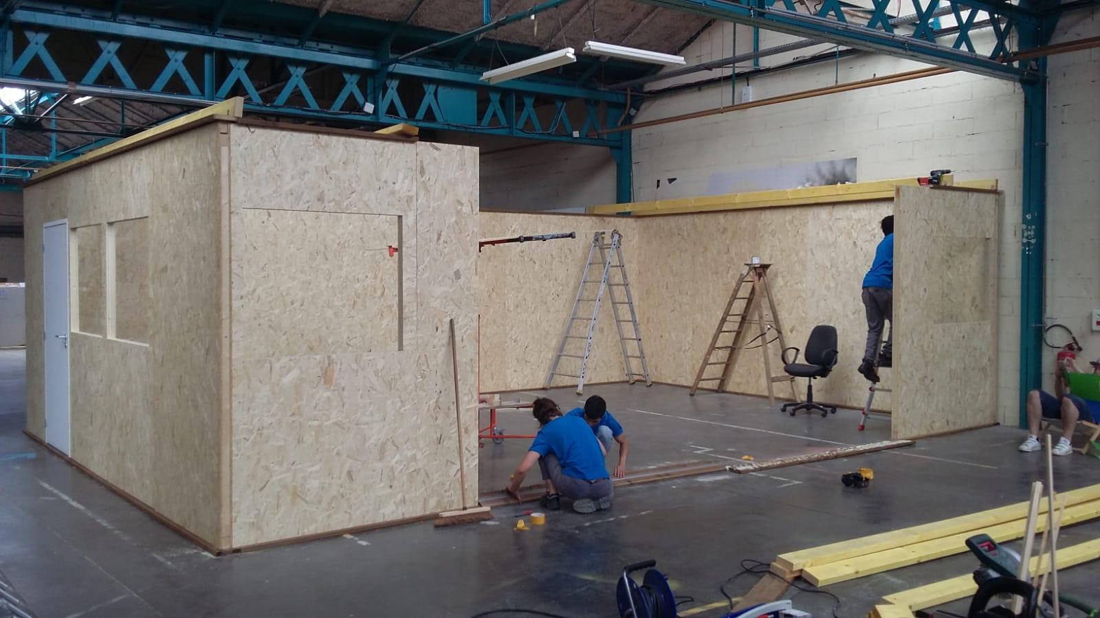 Travaux d'installation de l'Ecole urbaine de Lyon aux Halles du Faubourg