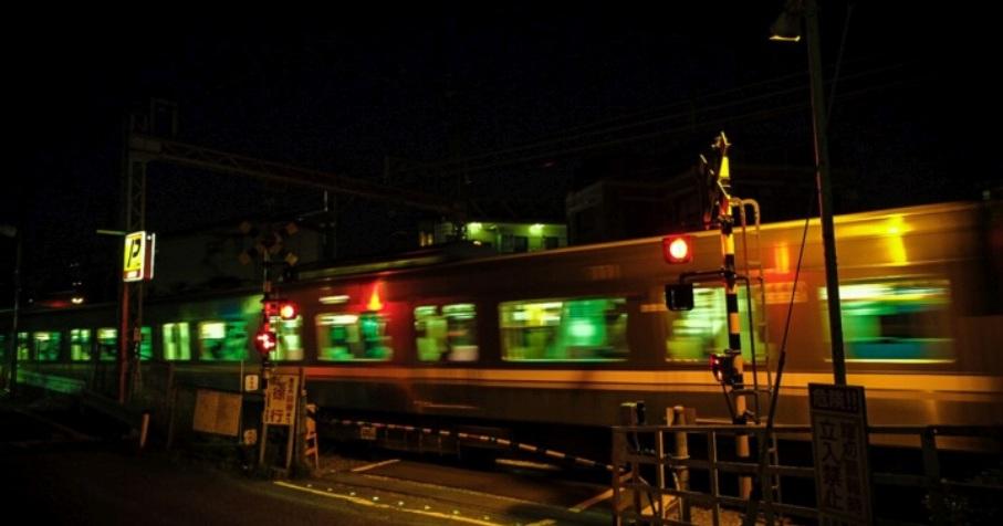 Quartier de Setagaya-ku à Tokyo (Japon), passage à niveau le 25 mai 2020 © Kana Hashimoto